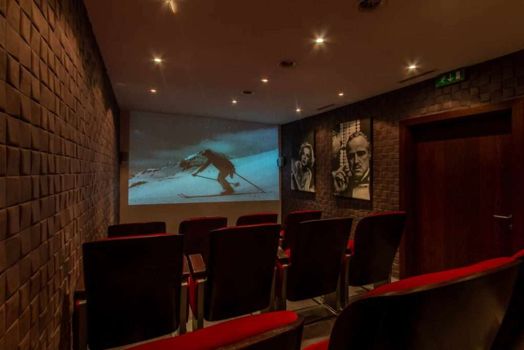 Private cinema in Chalet Artemis