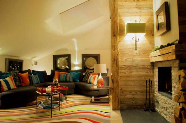 Luxury Chalet Artemis Living Room - Sofas & Fireplace